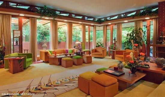 Samara House: Living Room at SAMARA!