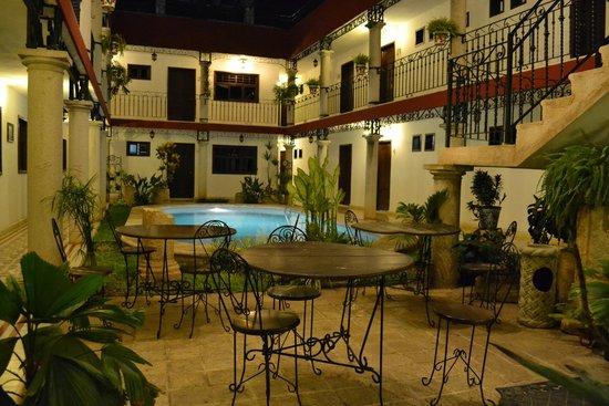 hotel colonial la aurora : hotel