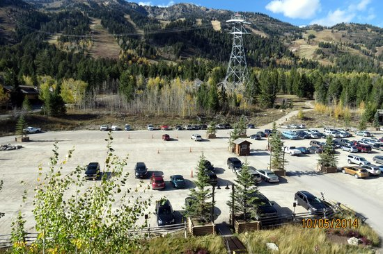 Teton Mountain Lodge & Spa- A Noble House Resort: The parking lot is in the wrong spot