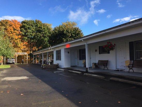 Lakeside Resort: The motel