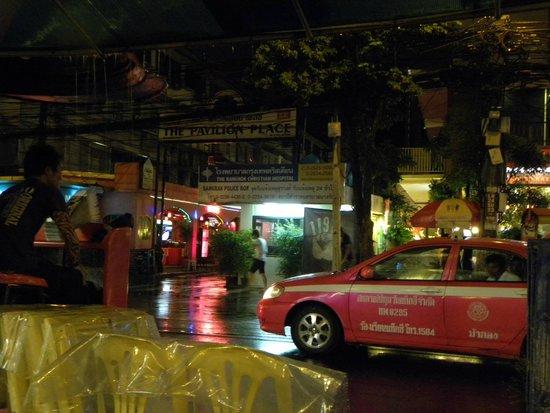 Patpong Night Market : street view
