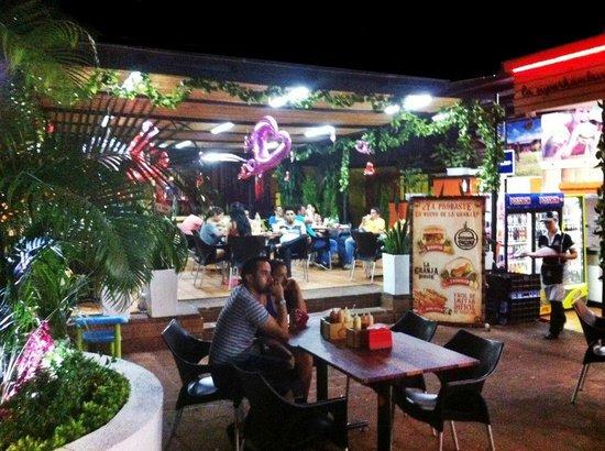 Foto de La Granja Burger, Neiva: AMOR Y AMISTAD - Tripadvisor