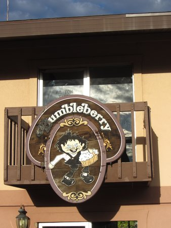 Bumbleberry Inn : Sign