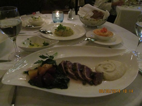 Estiatorio Milos: Main course: tuna from menu, sides as well