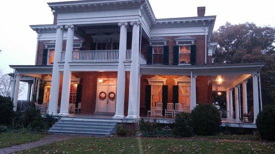 Rockwood Manor: Outside of room