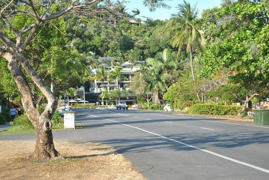 Marina Terraces Holiday Apartments: main street from hotel