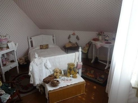 Lucy Maud Montgomery Birthplace: モンゴメリの生まれた部屋。