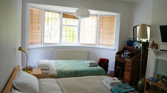 Rhodes Avenue Homestay B&B: room