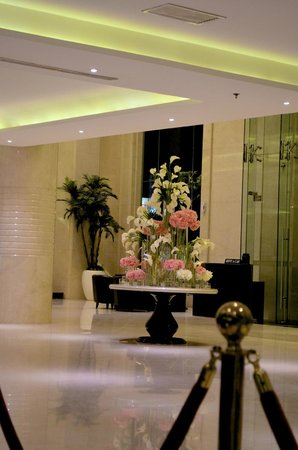 Four Points by Sheraton Medan: Lobby Centrepiece