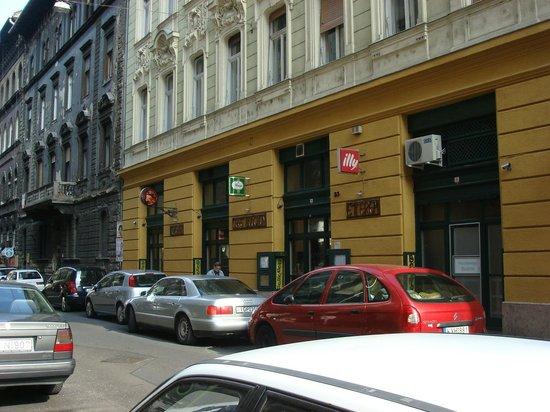 Cafe Bouchon: Aussenansicht Café Bouchon