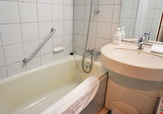 Takakura Hotel Fukuoka: バスルーム
