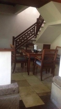 ANANDA RESORT: The dinning / kitchen & the stairs to the upper level