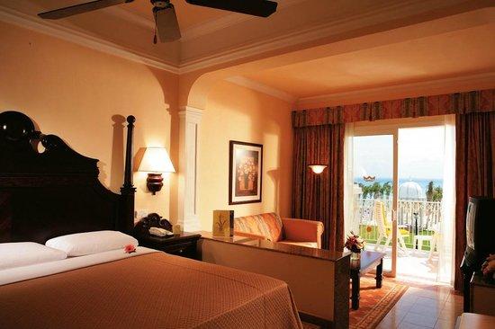 Hotel Riu Palace Riviera Maya: Room