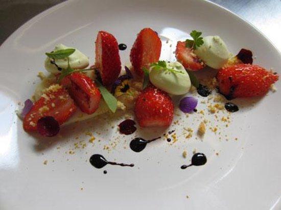 Fiac, France: Namelaka verveine, fraises, cassis