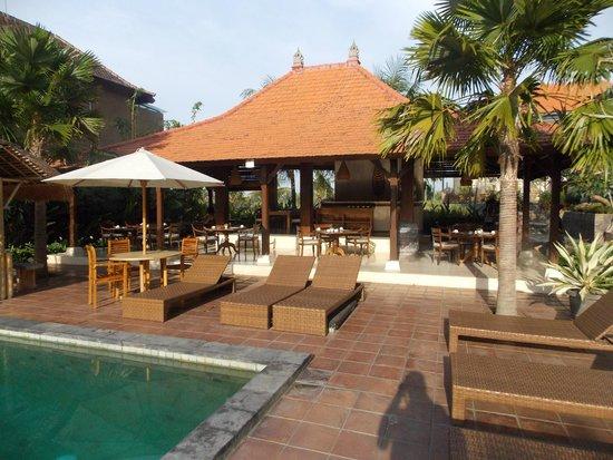 Inata Bisma Resort & Spa Ubud : comedor. Sala de estar