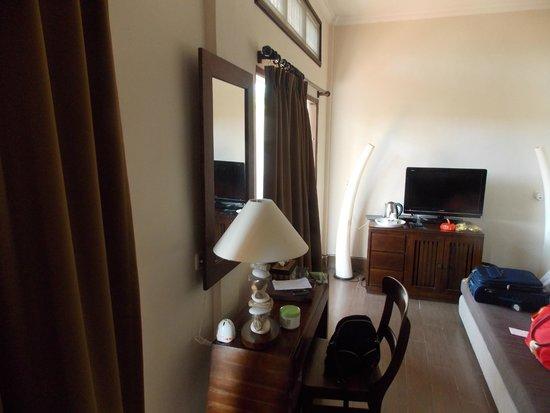 Inata Bisma Resort & Spa Ubud : habitación. Zona TV