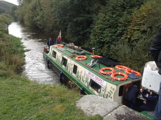 Larry's Barge - Day Tours: The perfect way to spend a day enjoying the beauty and serenity of the River Barrow