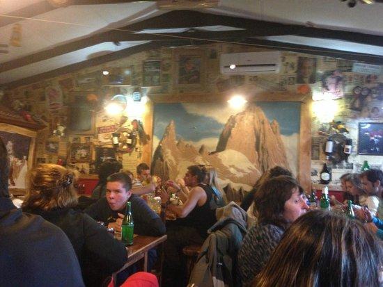 Restaurante Ahonikenk Chalten Fonda Patagonia: Muy buen ambiente