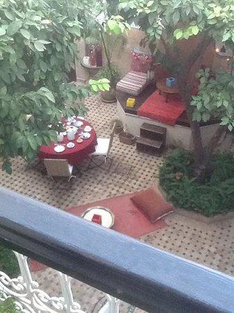 Riad Aguerzame: the courtyard at the Riad Ajurzame
