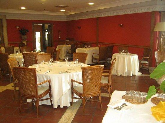 Golden Tulip Resort Marina di Castello: Sala ristorante