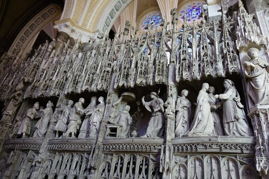 Timhotel Chartres Cathédrale : Internal sculptures, Chartres Cathedral (Sept 2014)