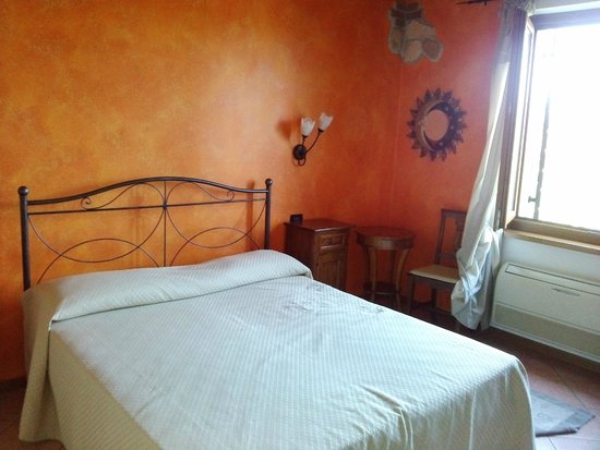 Agriturismo Serena: Very nice and CLEAN room