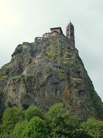Chapelle St. Michel d'Aiguilhe: Le rocher et Saint-Michel-d'Aiguihle.