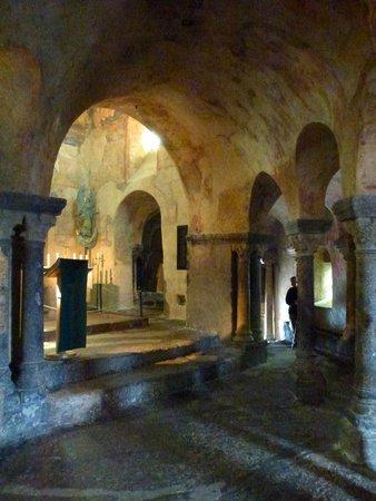 Chapelle St. Michel d'Aiguilhe: Intérieur de la chapelle de Saint-Michel-d'Aiguihle.