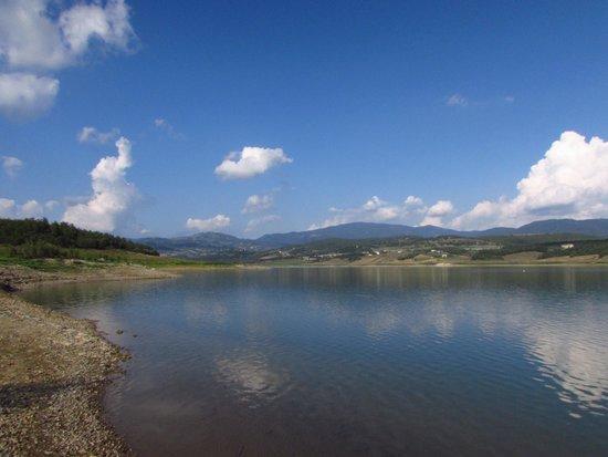 Agriturismo Le Ceregne: Il lago