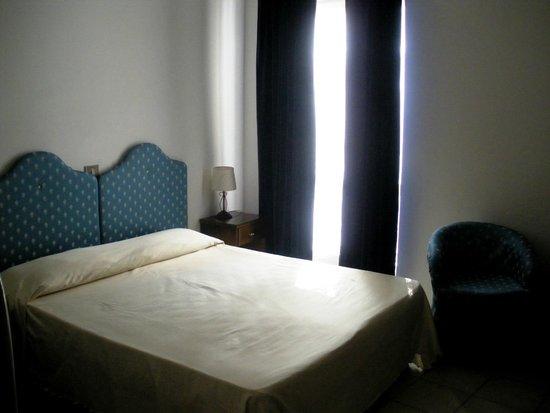 Piscina di acqua di mare picture of hotel club san diego for Acquafredda salon