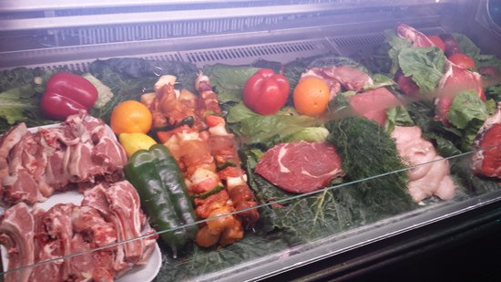 Restaurante Xaloc: They have a counter with all the meat laid out so you can see what you are going to be eating