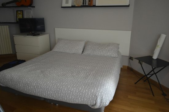 Bed & Breakfast Tirano: Double bed
