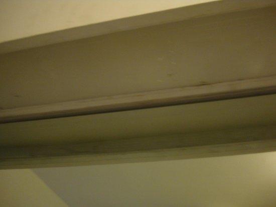 Vasca Da Bagno Rotta : La vasca da bagno con la scroppa x chi nn lo sapesse sporco vecchio