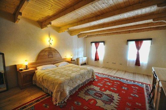 Hotel Tradita Geg & Tosk : Double Room
