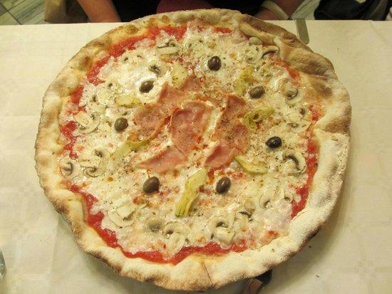 Il Cardo: Pizza capricciosa: un classico che ha sempre il suo fascino ;-)
