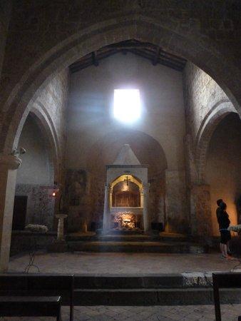 Chiesa di Santa Maria Maggiore: El sobrecogedor interior de Santa María Mayor