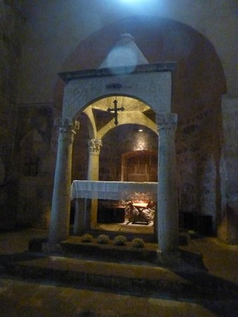 Chiesa di Santa Maria Maggiore: La joya del altar prerrománico de Santa María Mayor