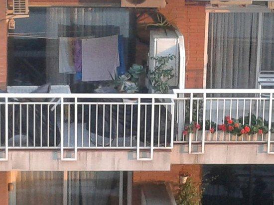 Expo Hotel Barcelona: increíble el vecino de enfrente ,vaya vistas!