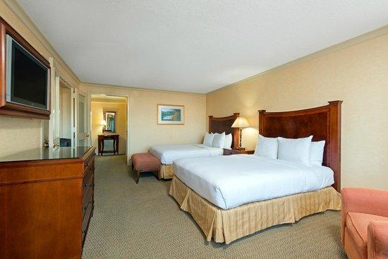 โรงแรมฮิลตันชอร์ตฮิลล์