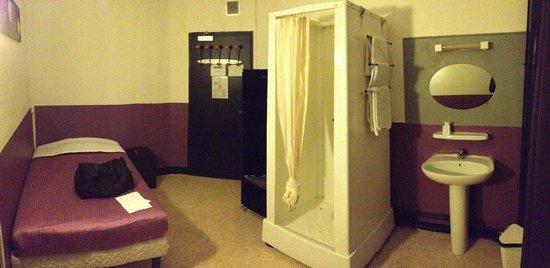 Hotel Chopin: la célèbre cabine de douche dans la chambre
