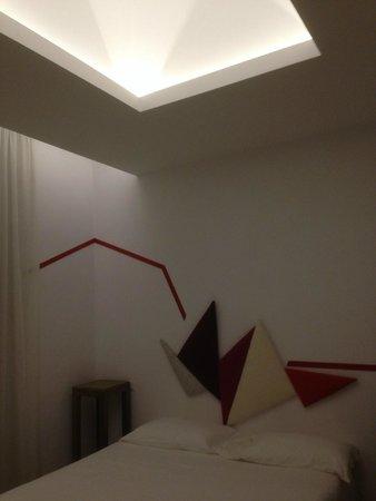 Relais Modern: Controsoffitto Con Illuminazione Soffusa