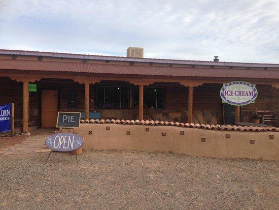 Comb Ridge Bistro and Espresso Bar: Comb Ridge Coffee (outside)