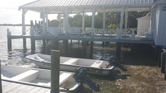 Cabbage Key Inn: The boathouse with rental skiffs