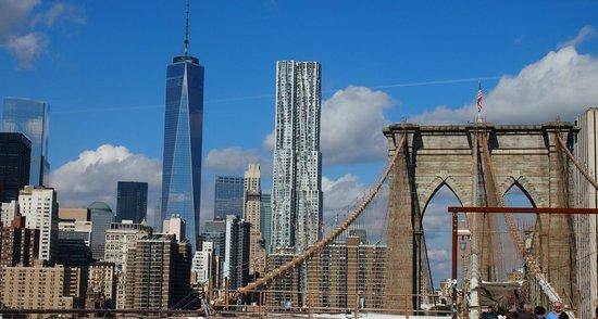 Manhattan Bridge: Manhattan skyline from  Brooklyn bridge