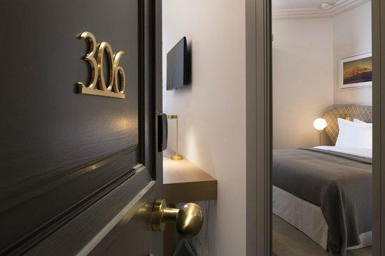 Chambres Communicantes Luxe Design Paris Champs Elysees Tour