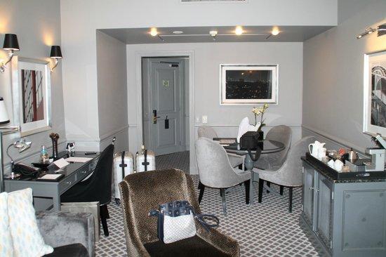 54 on Bath: suite