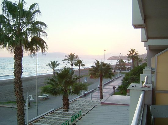 Hotel Elimar : Promenade und Strand vom Zimmer 210