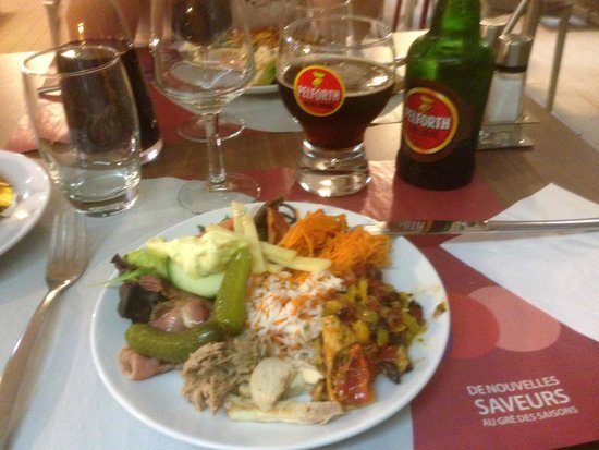 Campanile Evreux : reasonable buffet selection