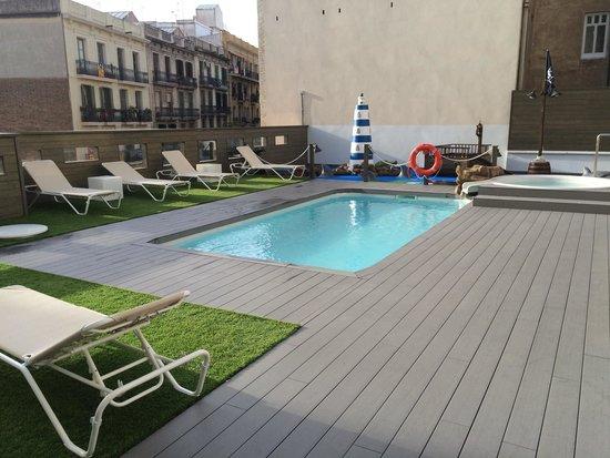 Silken Concordia Hotel : Piscina del hotel