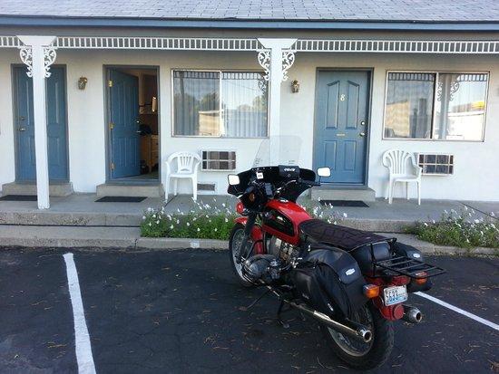 Apple Inn Motel: Nice courtyard room